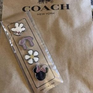 Coach Disney Minnie Pin Set with Gift Box